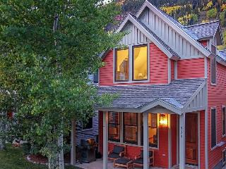 530 W. Pacific Downtown Telluride Townhome For 6 Guests