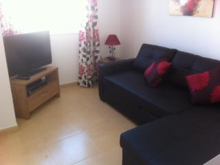 2 bed apartment with rooftop sun terrace sleeps 5, Alhama de Murcia