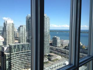 Luxury 37thFl 2bd condo+prkng+brkfst. DOWNTOWN, Toronto