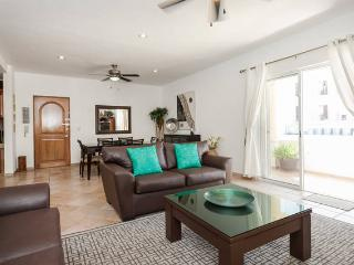 Piedra Viva - Condo for 5, two blocks from the beach