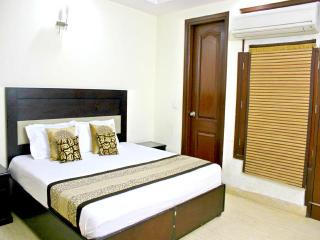 2 Bed Serviced Apartment - Greater Kailash Delhi, Nuova Delhi