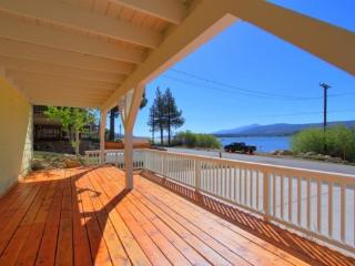 FeatherNest: Peaceful, Lakefront Retreat w/ Amazing Views, Fawnskin