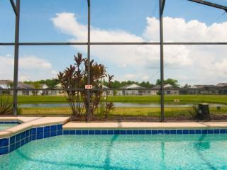 1109LHD. Stunning 3 Bedroom 2 Bathroom Pool Home with Lake View