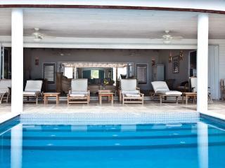 Villa Nirvana Beach House - Jolly Harbour, Antigua - Beachfront, Gated
