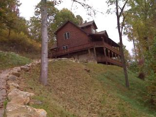 Bountiful Views, 3 br 4 ba, sleeps 10 Big porch, Waynesville