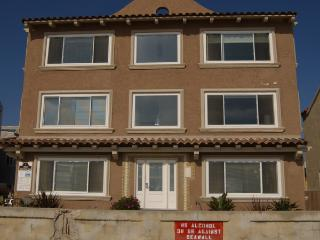 San Diego 2 BR, 2 BA House (3969 Ocean Front Walk #3)