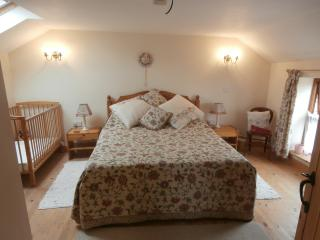Wolds View upstairs bedroom