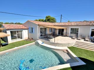Beautiful house with private pool and spa, Fréjus