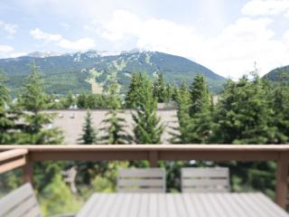 Fabulous Whistler town home - close to village