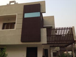 Furnished, Modern Home in Gated Comm in Baroda