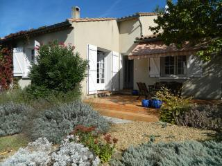 Les Lauriers, 4-bedroom Villa in Lovely, Lively Limoux!