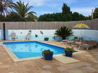 Charming 2 bedroom villa with pool in Cala Llenya