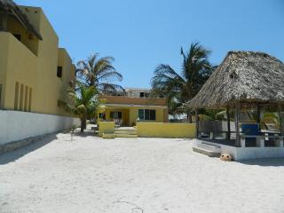 Sd House. Beautiful Waterfront Home In Chicxulub Near The Village   Casa Sd. Preciosa Casa Frente Al Mar En Chicxulub Cerca Del Pueblo