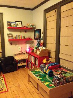 bedroom 1 with lots of toys