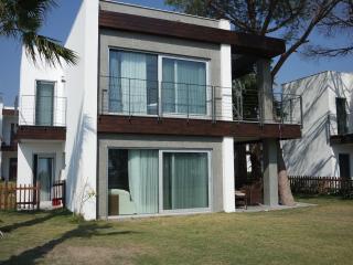 Marin Beach Villa.01