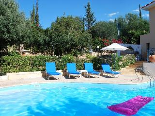 Gorgeous 2 Bedroom Villa in Coral Bay Private pool, Paphos