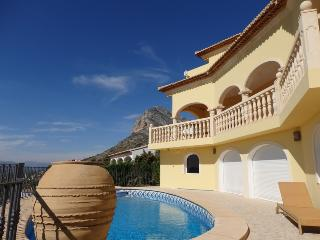 Lagadishi, superb sea views, large pool, A/C, WiFi, Jávea