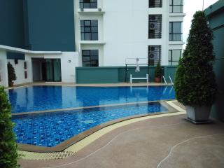 Brand-New 2BR fully furnished & equipped condo, Bangkok