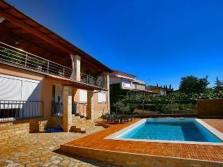 Beautiful Luxury Villa Pina in Pula near the Sea