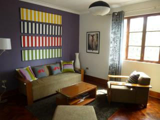 Bright 3 bedroom apt. in trendy Miraflores.
