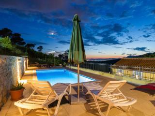 Villa by Split - Escape to privacy, Zrnovnica