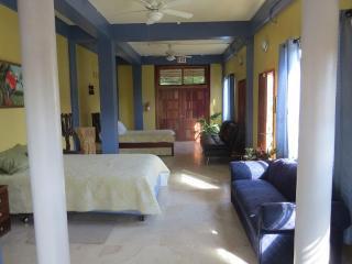 Avana Villa- Garden suite, San Ignacio