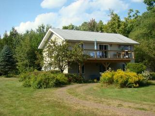 Moutain House Retreat-Catskill Mountains-Windham, NY: Enjoy Great March Skiing!