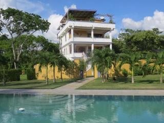 Avana Villa- Penthouse, San Ignacio