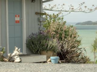 Driftwood Bay of Islands Beachside Cottage Rentals, Kerikeri