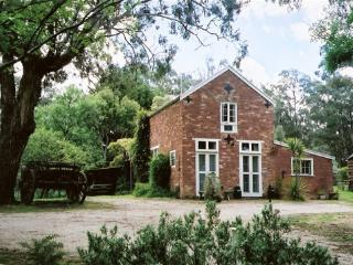 Claremont Coach House, Castlemaine