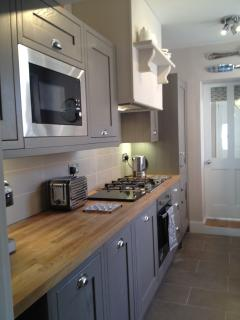 Recently fitted kitchen all mod cons !