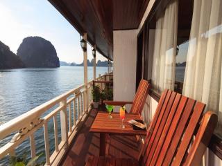 Garden Bay Cruise Halong