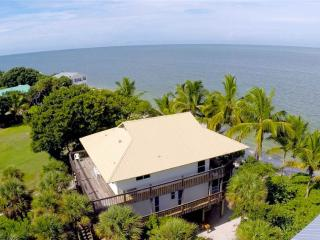 084-Tarpon Lodge