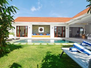 3 bedroom private pool villa seminyak