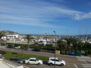 Vistas exteriores del Passeig Marítim i del Club Nàutic
