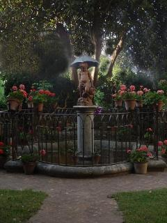 Fontana con putto del periodo impero