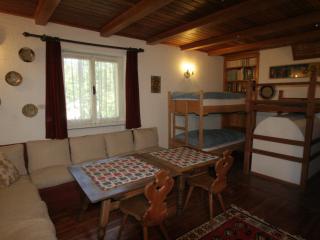 B&B Villa Dolomites ¤¤¤ Tyrolean Stube Room, San Vigilio