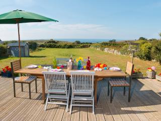 Bretagne - Pointe du Raz : Maison face à la mer, Plogoff