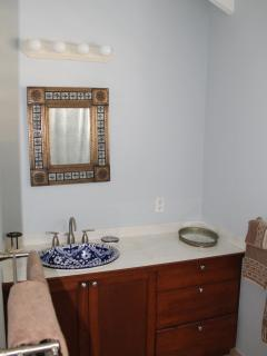 The second's bedroom's bathroom.