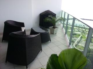 Oceanfront condo, best location in Panama, Panama-Stadt