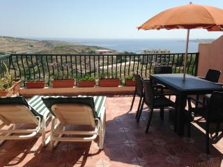 Fantastic Penthouse with sea and country views, Xemxija
