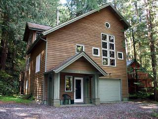 Snowline Cabin #51 - Executive style cabin that sleeps 8!