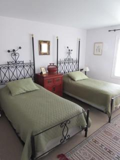 Second BR-Ground Floor-Twin Beds