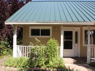 Country Cottage Apartment, Ashland