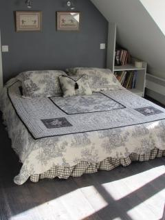 Bedroom upstairs, with Queen Size Bed