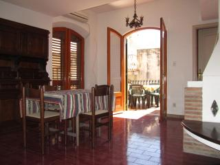 ComeInSicily Taormina Al Mercato 1-bedroom apartment with terrace!