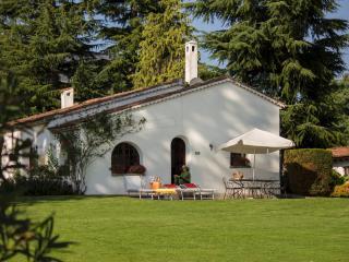 Lovely Small Villa on the Shore of Lake Maggiore - Villa della Colomba