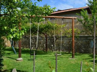Villa Piazza, private solar heated pool,  walk to all facilities!  WIFI