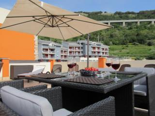 Amazing views penthouse apt with WIFI., Pizzo