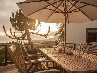 Magical Charm,Panoramic Views! Walk to Town&Beach!, Laguna Beach